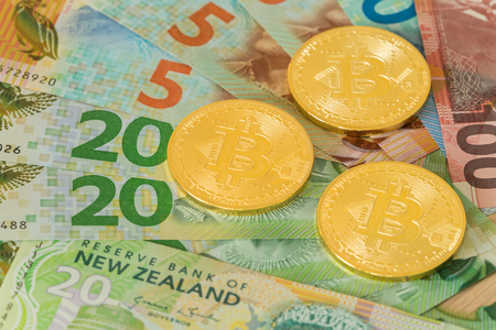 New Zealand. Money and Bitcoin Zdjęcie Seryjne - 99238132
