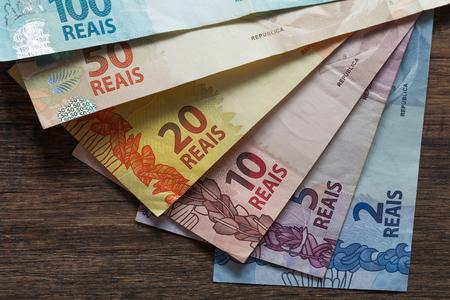 Brazilian money, reais on the table, different denomination Foto de archivo
