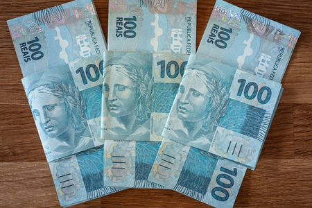 Brazilian money, hundred reais banknotes