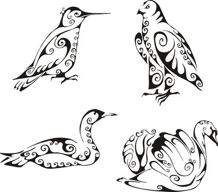 tatouage oiseau: Oiseaux dans le style tribal. Ensemble de noir et blanc des illustrations vectorielles. Tatouages. Illustration