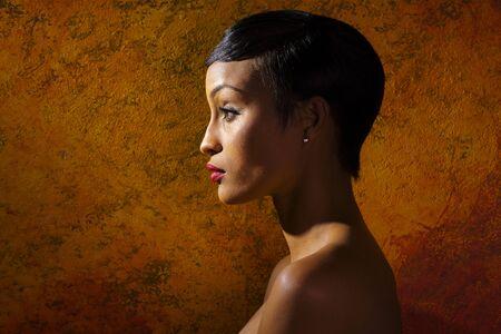 schwarze frau nackt: Portrait der sch�nen schwarzen Frau