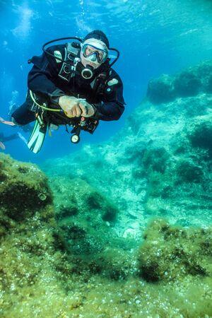Diving The Reef Фото со стока