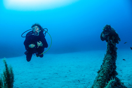 Diver and Anchor.2.