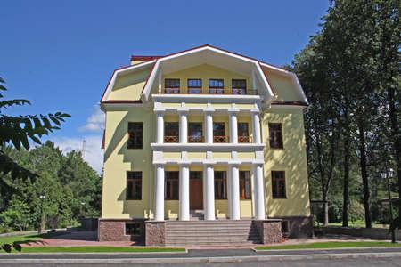 investment real state: Moderna casa de campo construida en estilo antiguo  Foto de archivo