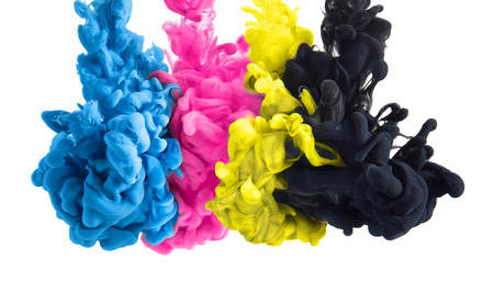 CMYK 色減算記号としてブラック シアン マゼンタ イエローのインクの色はね