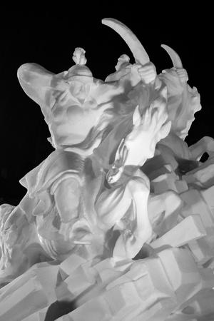 phillip rubino: Dramatic Black and White Snow Sculpture
