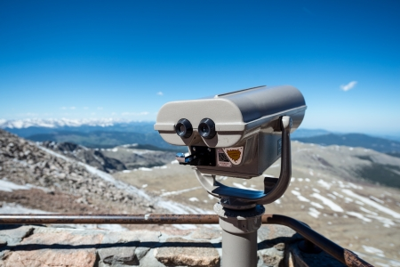 phillip rubino: Visitor binoculars to view the Rocky Mountains Stock Photo