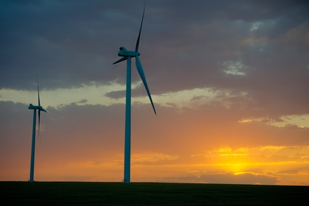 turns of the year: Wind farm on the plains at dusk