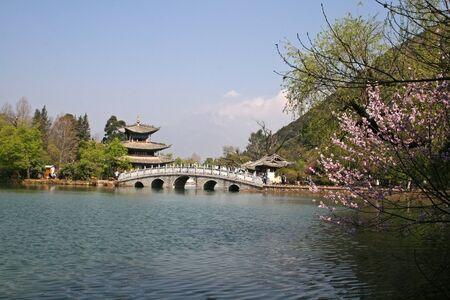 麗江黒龍プール