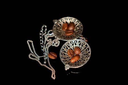 coffee seeds and pendant 版權商用圖片