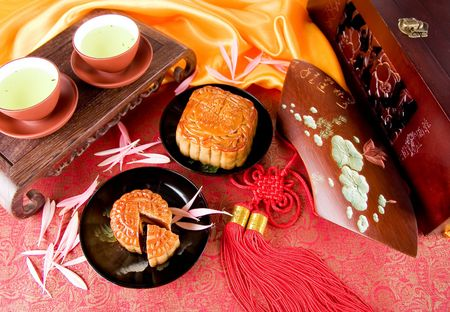 Chinese moon cake and tea-- food for Chinese mid-autumn festival Stock Photo - 3705133