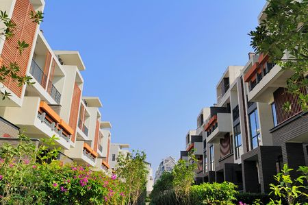 A footpath and two rows of new terrace houses beside it in the southeast of China,these homes are aimed at the normal buyer in China Stock Photo - 3959042