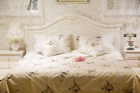 bedding: Bed in a luxury room