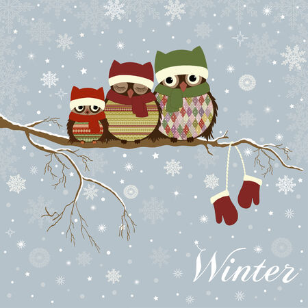 Christmas card a branch with family of owls in winter Vectores