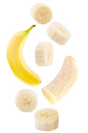 Isolierte fallende Früchte . Fallende Bananenfrucht lokalisiert auf weißem Hintergrund mit Beschneidungspfad als Paketgestaltungselement