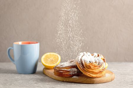 Pastry desserts on the neutral background. Healthy and unhealthy breakfast concept Zdjęcie Seryjne - 141826556
