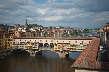 ponte vecchio: Ponte Vecchio  view from Uffizi Gallery