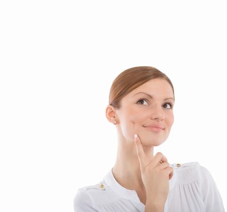 unconcerned: Closeup retrato de una mujer joven esperanzado, sobre fondo blanco