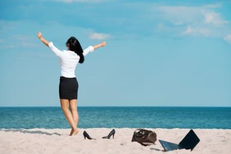 海でオフィスの休暇のうち