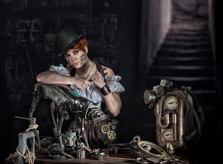 mecanica industrial: Chica de vapor-punk con su mascota mecánica