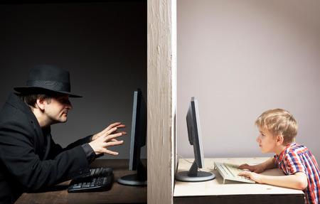 위험한 온라인 우정 개념