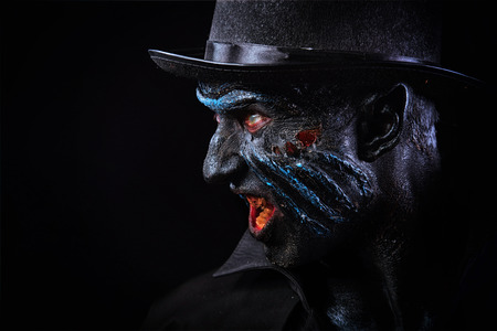 satanas: Hombre en maquillaje monstruo Foto de archivo