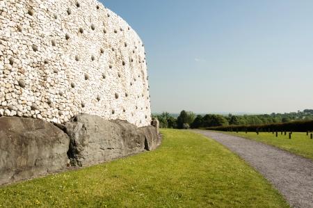 co  meath: Greystones  Irish  Na Clocha Liatha  is a coastal town and seaside resort in County Wicklow, Ireland