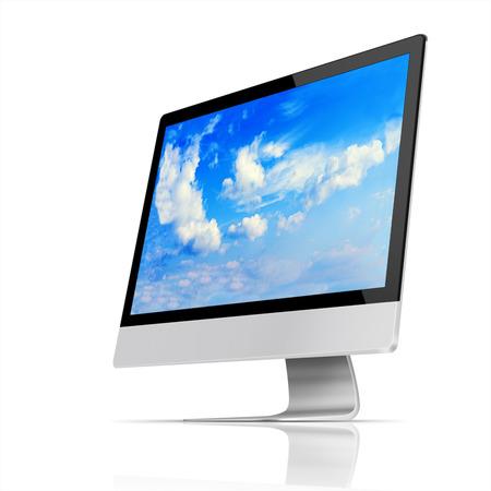 fondo blanco: Monitor moderno ordenador de pantalla plana con con el cielo azul y hermosas nubes en la pantalla aisladas sobre fondo blanco. Ilustración altamente detallada.