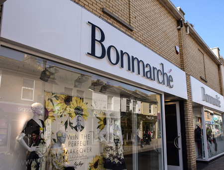 Hove, United Kingdom - March 27 2018:   The Front of Bonmarche Clothes shop in George Street Publikacyjne