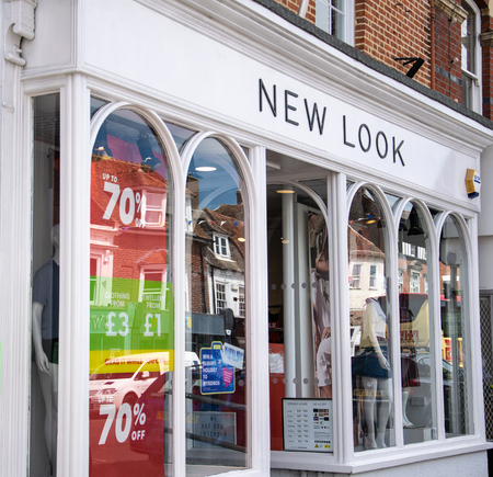 Lymington, United Kingdom - July 22 2018:   The front of New Look shop in the High Street Publikacyjne