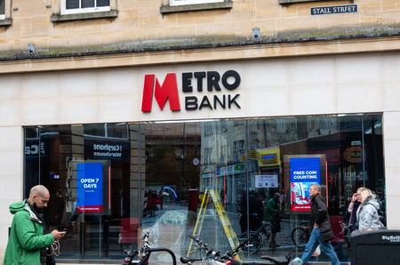 Bath, United Kingdom - October 13 2018:   The entrance to the Metro Bank branch in Stall Street Publikacyjne