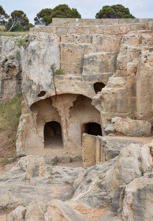 Two arched doorways lead into an ancient ruined building in Paphos, Cyprus 版權商用圖片