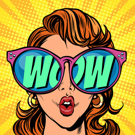 Vrouw met zonnebril. wauw in reflectie