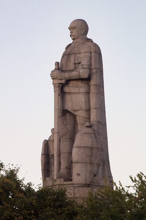 A memorial sculpture dedicated to Otto von Bismarck, located in St. Pauli quarter in Hamburg, Germany. The worlds largest Bismarck monument is 35 m (115 ft) high and weighs 600 t.