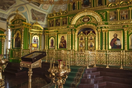 iconostasis: The iconostasis and altar of the Russian Orthodox Church