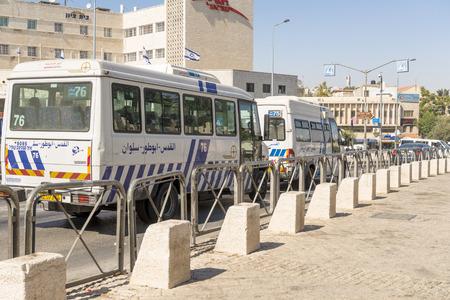 passenger buses: autobuses de pasajeros en Jerusalén y Tel Aviv