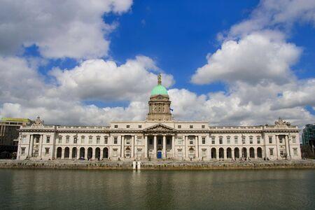eire: Custom House in Dublin, Ireland.