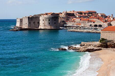 クロアチア南部のダルマチア地方でアドリア海のドブロブニク旧市街