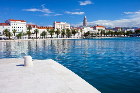 중부 크로아티아의 해안가 경관 분할