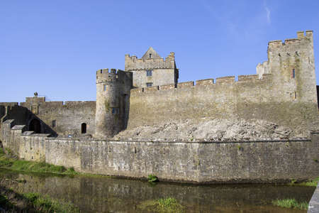 county tipperary: Cahir Castle (Cathair Dhuin Iascaigh) in County Tipperary, southern Ireland
