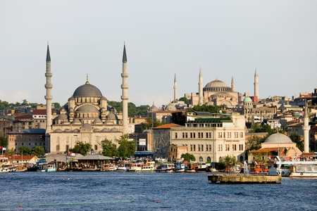 eminonu: City of Istanbul, view from the Golden Horn on the left side New Mosque ( Yeni Valide Camii) on the far right Suleymaniye Mosque Stock Photo