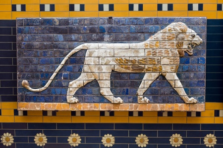 ishtar gate of babylon: Lion on Babylonian mosaic, fragment of the Ishtar Gate in the Archeology Museum (photography allowed), Istanbul, Turkey