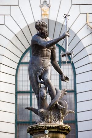 neptuno: El Neptuno, estatua de bronce del dios romano del mar en el casco antiguo de Gdansk (Danzig), Polonia