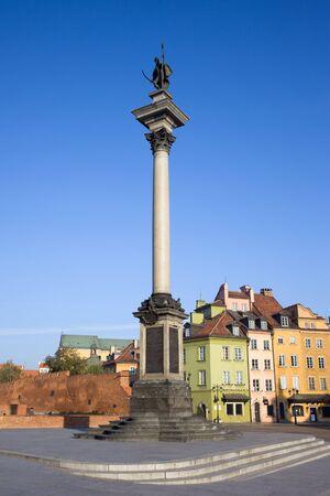 stare miasto: King Sigismund III Vasa column (Polish: Kulumna Zygmunta) in the Old Town (Polish: Stare Miasto, Starowka) of Warsaw in Poland Stock Photo