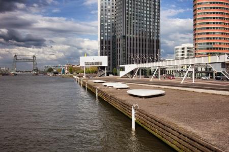 maas: Nieuwe Maas (New Meuse) river waterfront promenade in Rotterdam downtown, Netherlands.