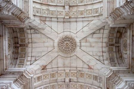 augusta: Techo de la Augusta Arco Rua en Lisboa, Portugal.