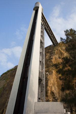 elevador: Lift (Portuguese: Elevador Panoramico da Boca do Vento) in the Almada, Portugal.