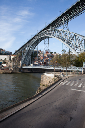 rive: Dom Luis I Bridge over Douro rive between city of Porto and Vila Nova de Gaia in Portugal.