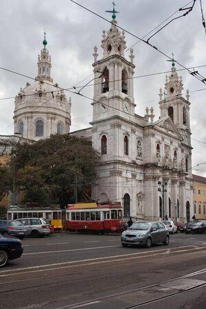 neoclassical: Estrela Basilica in Lisbon, Portugal, 18th century Baroque and Neoclassical architecture.