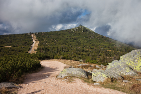 sudeten: Trail on border of Poland and Czech Republic in Karkonosze Mountains to Szrenica Mountain.
